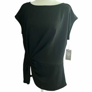 VINCE CAMUTO Black Textured Ruched Front T…